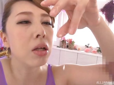 Asian MILF Kazama Yumi knows how in the air milk a cock of her hubby