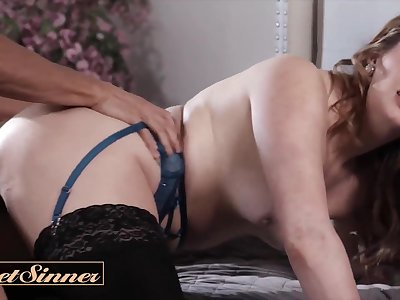 Erotic Fuck with Tattooed Milf Crystal Taylor cheats for first lifetime with Chubby blarney hunk - Chubby natural tits