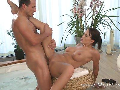 Mom xxx: Couple make love in a hot tub
