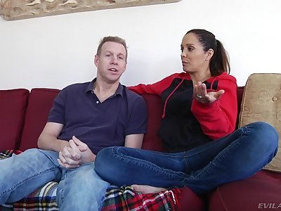 Milf and her husband talk about sex in hd porn video