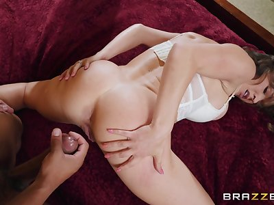 Seductive woman loves make an issue of sperm on the brush gaped exasperation