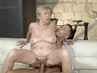 Old foetus feels great with a massive young cock inside her pussy