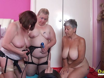 Mature sluts are testing their new Sybian machine in the hottest threesome