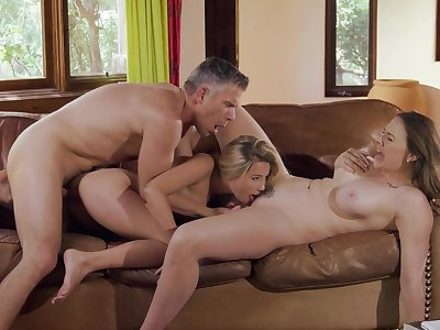 Hot threesome for mommy and slay rub elbows with little one