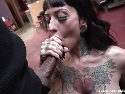 Caught and fucked missionary hard tattooed bawd named Jessie Lee