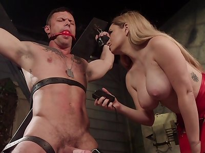 Sexy Mistress Aiden Starr reminds her male sub who's the queen