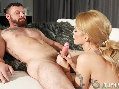 Bedroom seduction for eradicate affect hot cougar in flawless XXX moments
