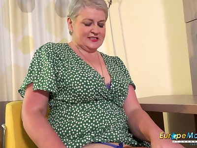 EuropeMaturE British Mature By oneself Masturbation