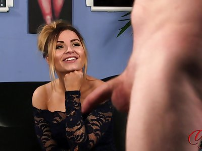 MILF sculpt Tina Whiteman watches an amateur guy carrying-on with his cock