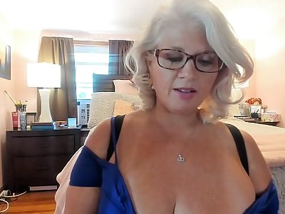 Curvy MILF Rosie: Trying On Sexy Heels with the addition of Dancing w/ Glasses On