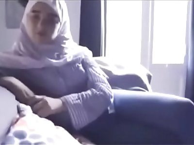 مصرية محجبة تتناك من خليجي بتقولو نروح البيت عشان اخي مايشوفنا الفيديو كامل في الرابط